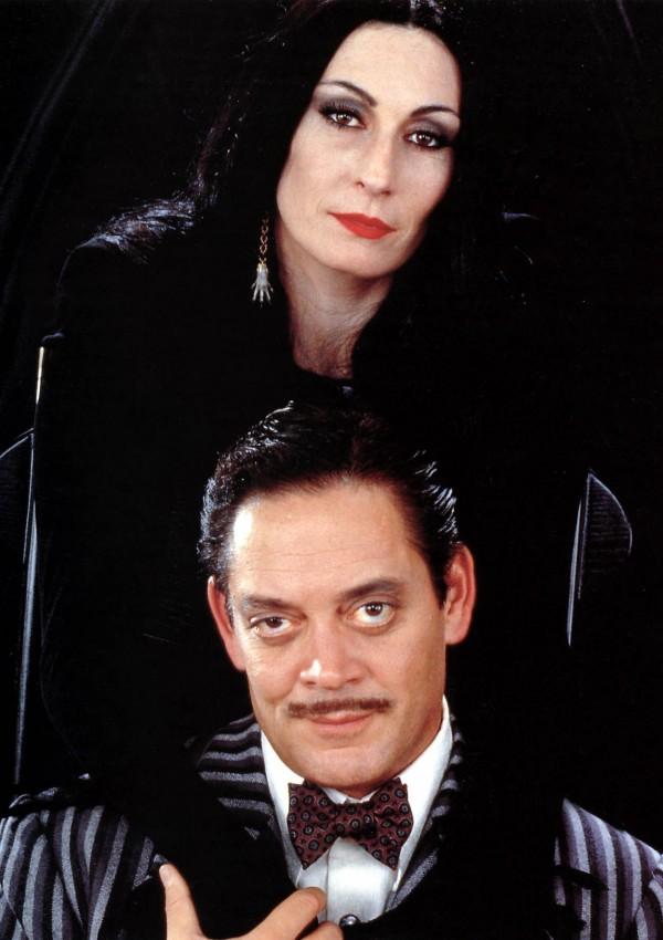 Anjelica Huston, Raul Julia