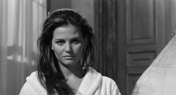Claudia Cardinale (Aïda Zepponi)