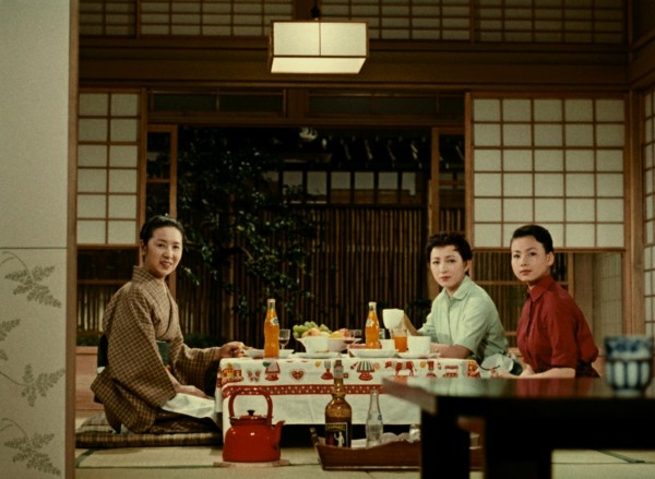Kinuyo Tanaka (l'épouse), Ineko Arima (Setsuko), Miyuki Kuwano (la fille cadette)