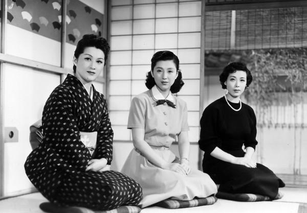 Michiyo Kogure (Taeko Satake), Keiko Tsushima (Setsuko Yamauchi), Chikage Awashima (Aya Amamiya)