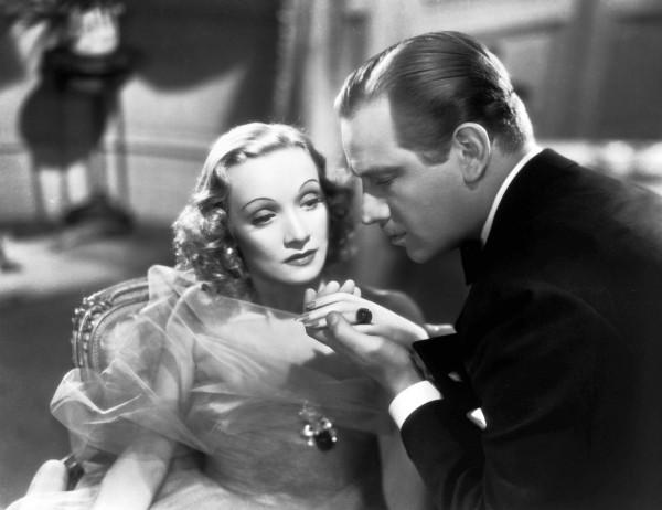 Marlene Dietrich, Melvyn Douglas