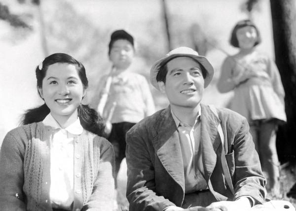 Kyôko Kagawa (Toshiko Fukuhara ), Eiji Okada (Shinjiro)