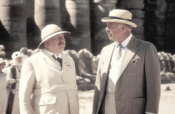 Peter Ustinov, George Kennedy