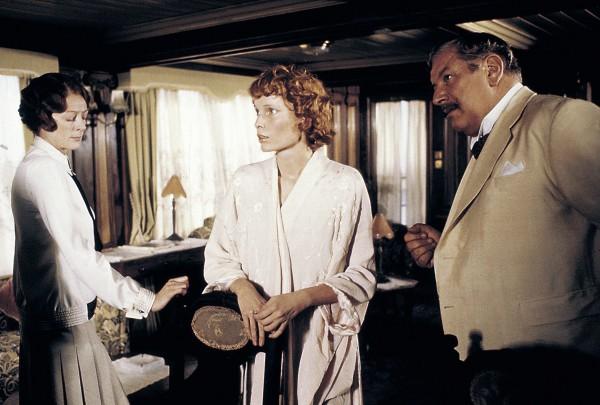 Maggie Smith, Mia Farrow, Peter Ustinov