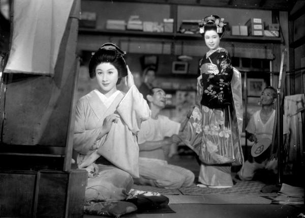 Michiyo Kogure (Miyoharu), personnage, Ayako Wakao (Eiko), personnage