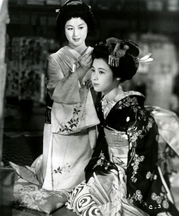 Michiyo Kogure, Ayako Wakao