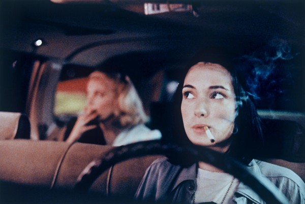 Gena Rowlands (Victoria Snelling), Winona Ryder (Corky)