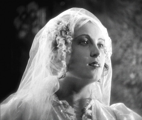 Carola Neher (Polly Peachum)