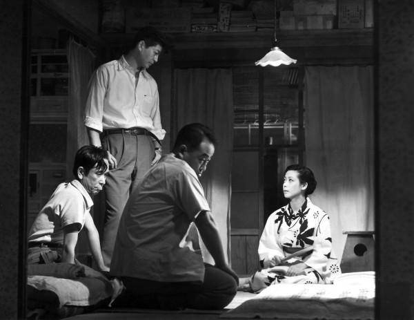 Personnage, Ryô Ikebe (Sugiyama), personnage, Chikage Awashima (Masako)