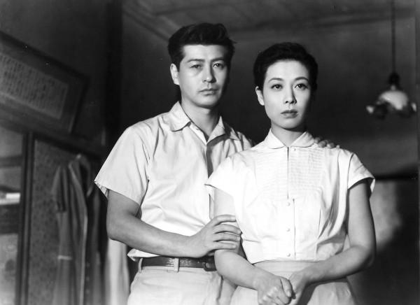 Ryô Ikebe (Sugiyama), Chikage Awashima (Masako)