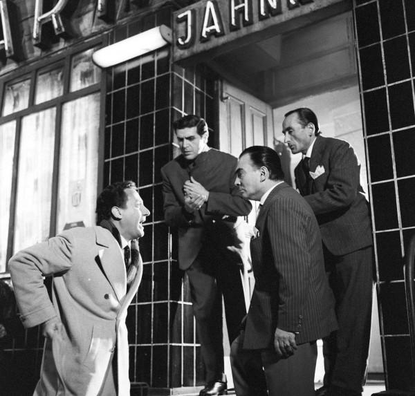 Alberto Sordi, Aldo Giuffrè, Nino Vingelli, Aldo Bufi Landi