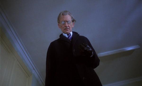 Peter Cushing (Michael Carmichael)