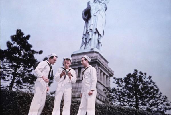 Gene Kelly, Frank Sinatra, Jules Munshin