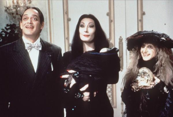 Raul Julia, Anjelica Huston, Carol Kane