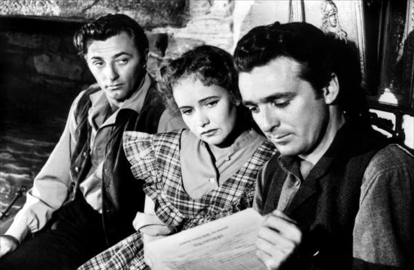 Robert Mitchum, Teresa Wright, John Rodney