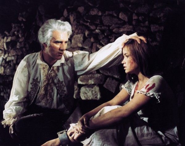 Michel Piccoli, Maria Latour (Mathilde)