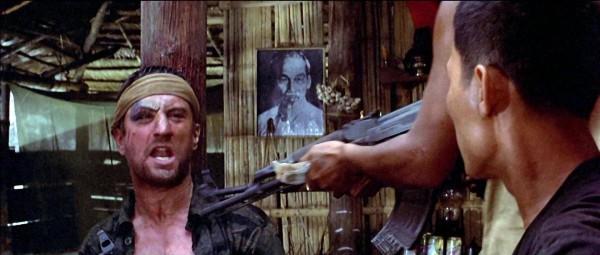 Robert De Niro (Michael «Mike» Vronsky), personnages