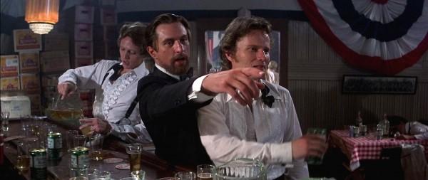 Christopher Walken («Nick» Chebotarevich), Robert De Niro (Michael «Mike» Vronsky), John Savage (Steven Pushkov)