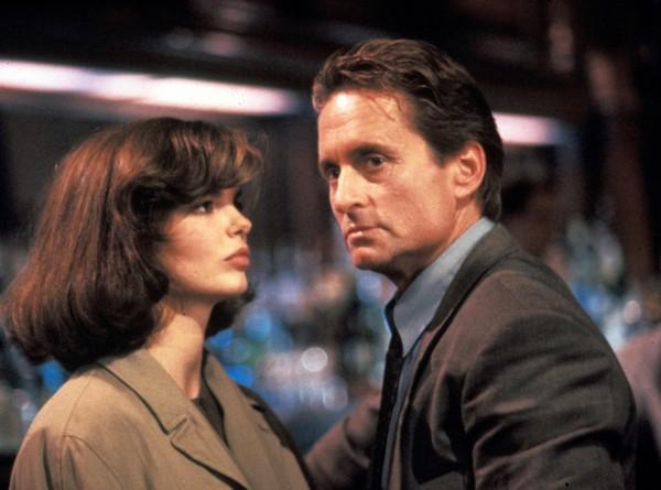 Jeanne Tripplehorn (Beth Garner), Michael Douglas (Nick Curran)