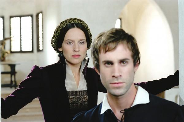 Claire Cox, Joseph Fiennes