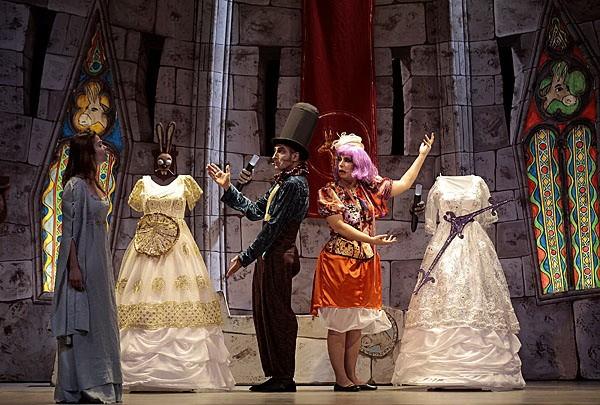 Peau d 39 ne la com die musicale th tre de la porte - Theatre de la porte saint martin metro ...