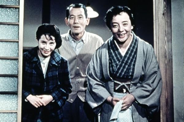 Yoshiko Kuga, Chishu Ryu, Kuniko Miyake