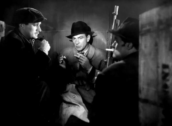 Gary Cooper (au milieu)