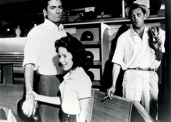 Gregory Peck, Lori Martin, Robert Mitchum