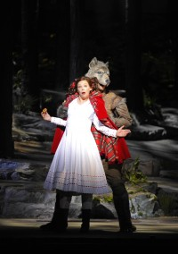 Into the Woods - à l'image: Francesca Jackson (Little Red Riding Hood) / Damian Thantrey (Wolf I)
