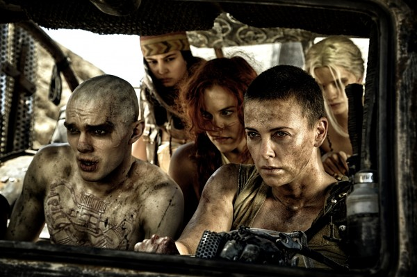 Nicholas Hoult, Courtney Eaton (Fragile), Riley Keough, Charlize Theron, Abbey Lee