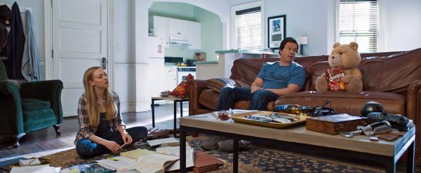 Amanda Seyfried, Mark Wahlberg, Ted
