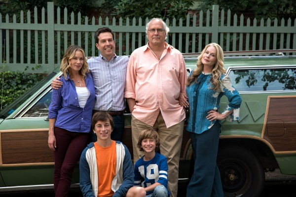 Christina Applegate, Skyler Gisondo, Ed Helms, Chevy Chase, Steele Stebbins (Kevin Griswold), Beverly D''Angelo