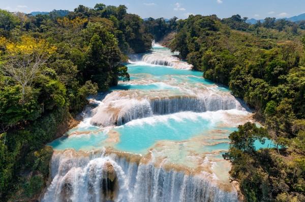 Cascades de Agua Azul sur la rivière Yax-Há, État du Chiapas, Mexique