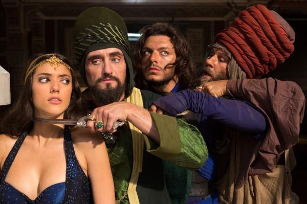 Vanessa Guide (La princesse Shallia), Jean-Paul Rouve, Kev Adams, Nader Boussandel (Garde teubé / Agent de sécurité)