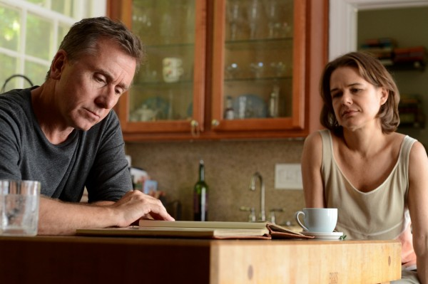Tim Roth, Nailea Norvind (Laura)
