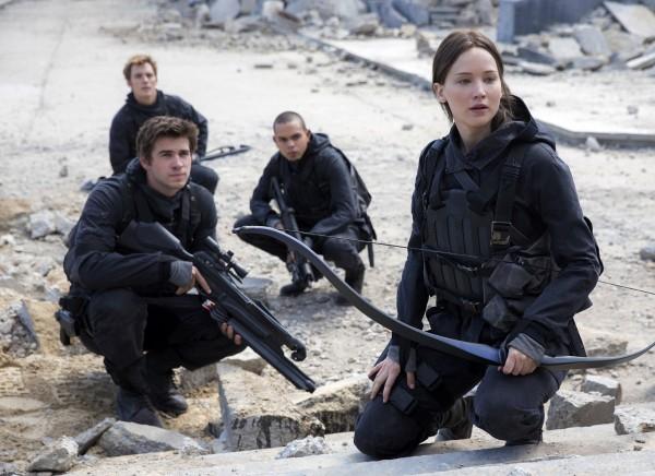 Liam Hemsworth, Sam  Claflin, Evan Ross (Messalla), Jennifer Lawrence