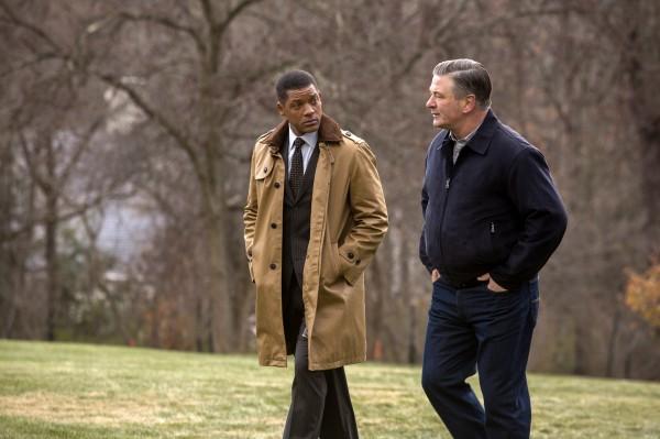 Will Smith, Alec Baldwin (Dr. Julian Bailes)