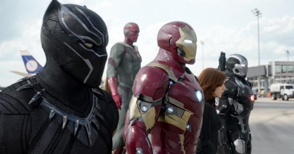 Chadwick Boseman, Paul Bettany (La Vision), Robert Downey Jr, Scarlett Johansson, Don Cheadle (Jim Rhodes / War Machine)