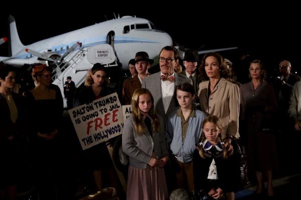 Madison Wolfe,  Bryan Cranston, Mitchell Zakocs (Chris Trumbo 10-12 ans), Diane Lane, Meghan Wolfe (Mitzi Trumbo 6-8 ans)