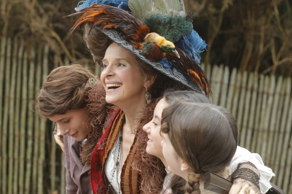 Raph (Billie Van Peteghem), Juliette Binoche, Lauréna Thellier (Gaby Van Peteghem), Manon Royere (Blanche Van Peteghem)