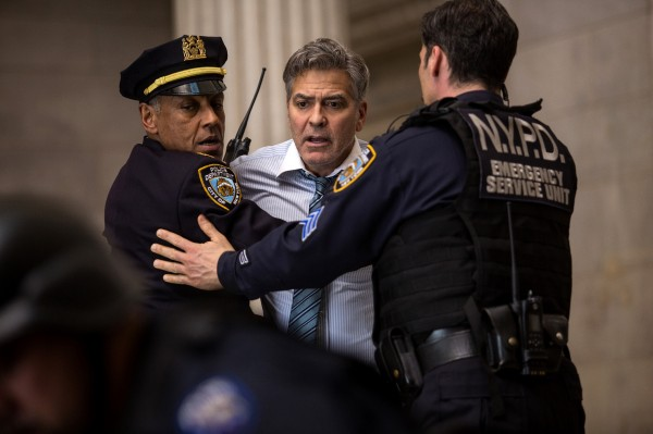 Giancarlo Esposito, George Clooney, personnage
