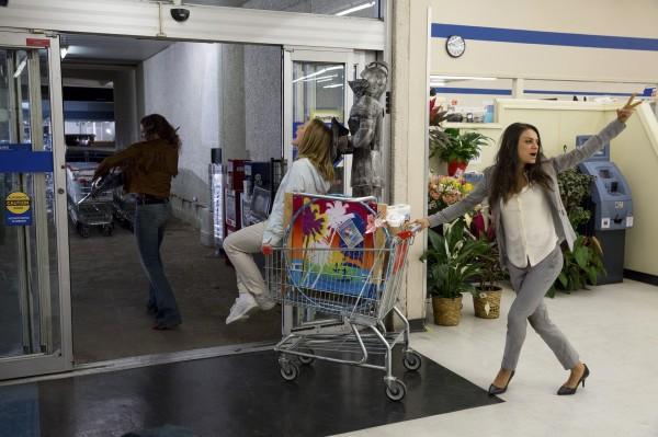 Kathryn Hahn, Kristen Bell, Mila Kunis