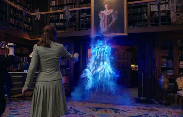 Melissa McCarthy, Kristen Wiig, Bess Rous (Gertrude, le fantôme)