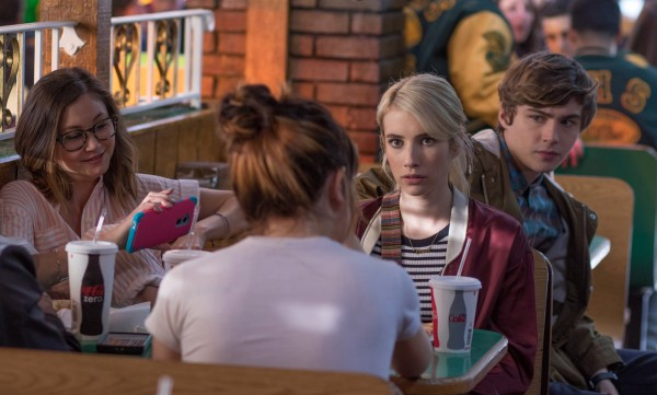 Kimiko  Glenn, personnage, Emma Roberts, Miles Heizer (Tommy)