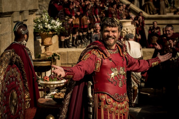 Pilou Asbæk (Ponce Pilate)