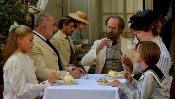 Guillaume Canet (au centre), personnages