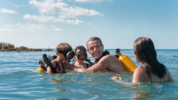 Rafaël De Ferran (Jean-Michel Cousteau enfant), Ulysse Stein (Philippe Cousteau enfant), Lambert Wilson, Audrey Tautou