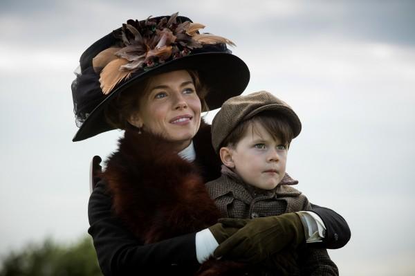 Sienna Miller, Tom Mulheron (Jack Fawcett)