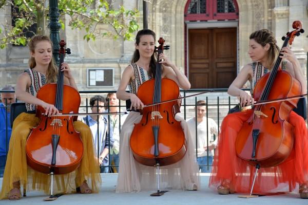 Dounia Coesens, Emmanuelle Boidron, Lola Marois Bigard
