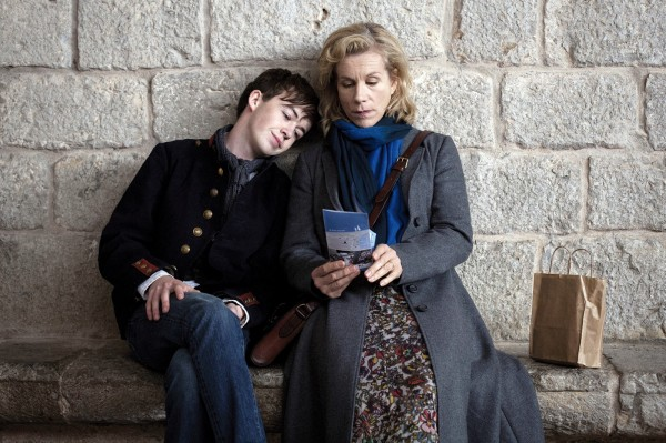 Alex Lawther, Niamh Cusack